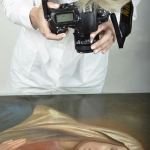 Fotografowanie obrazu. ( fot. Marek Pabis )
