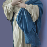 Figura gipsowa Matki Boskiej z Lourdes